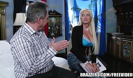 A mature man agreed to have sex with a sex hot vintage kitten